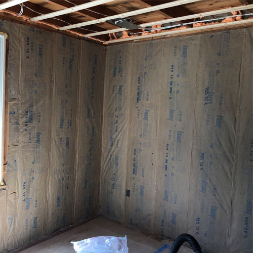 Blown-in insulation image