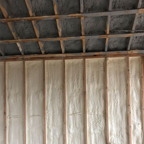 Spray foam insulation image